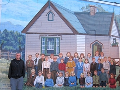 Robby and the school kids; mural in Katikati