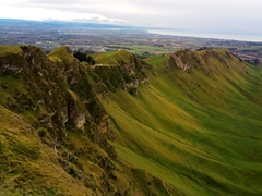 Te Mata is the highest peak in the Napier area, offering fine 360 degree views
