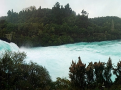 Huka Falls is reputed to be New Zealand's most popular natural attraction.Water flows at an astonishing rate, fast enough to fill an Olympic sized pool in about 10 seconds!