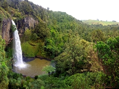 The spectacular Bridal Veil Falls, a 55 m high plunge waterfall