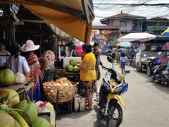 Getting fresh coconut juice at Carbon Market; Cebu