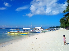 Alona Beach - the most popular beach on Panglao
