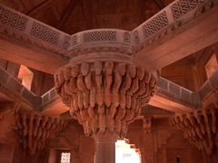 Central pillar from the Diwan-I-Khas; Fatehpur Sikri