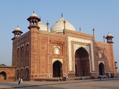 Red sandstone mosque to the west of the Taj Mahal