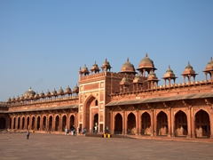 Gate to the courtyard of Jama Masjid; Fatehpur Sikri