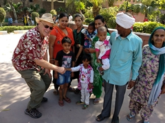 Bob meets a friendly Indian family visiting Jallianwala Bagh