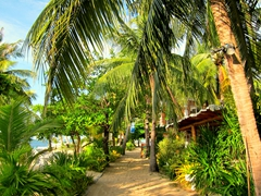 Footpath adjacent to Bounty Beach