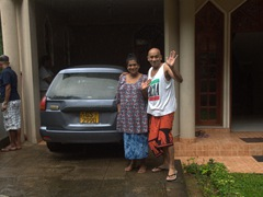 Saying goodbye to Pringi and her husband, our friendly Kandy hosts at The Peppermint homestay