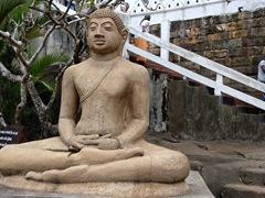 Buddha statue; Aluvihare Rock Temple