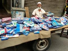 Street vendor; Pettah Market