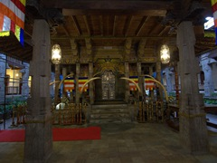 Temple of the Tooth; Kandy