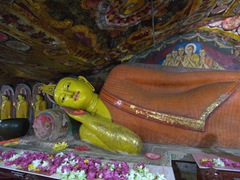 Reclining statue of Lord Buddha; Aluvihare Rock Temple