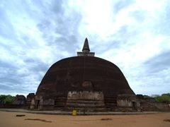 Rankot Vihara, a 54 meter tall stupa