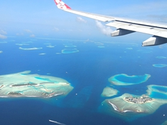 Gorgeous view as we make our way towards Malé; Air Asia flight