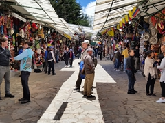 Souvenir vendors; Monserrate