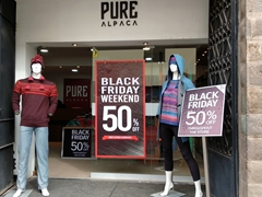 Huge sale during Black Friday weekend at many alpaca stores in Cusco