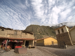 Empty streets in the early morning at Ollantaytambo