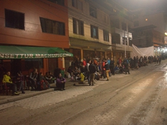 It is 4:30 am and the bus line to Machu Picchu is already ridiculously long!