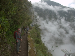 Hiking to the Inca bridge