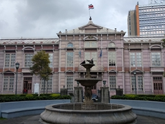 Edificio Metálico (the metalic building) was made in Belgium and assembled in San Jose