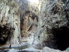 The cliffs of Somoto Canyon have a height ranging up to 150 meters in some places