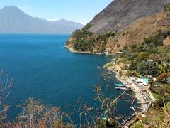 View of the hike between Santa Cruz and Jaibalito
