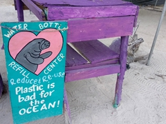 Refill, reduce, reuse - recycling message in Caye Caulker!
