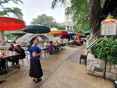River walk dining opportunities abound in San Antonio