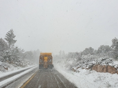 Heavy snow on Rt 89A as we make our way to Coyote Buttes South