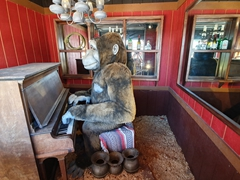 Gorilla playing the piano; Wall Drug