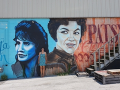 Becky between Loretta Lynn and Patsy Cline; Nashville