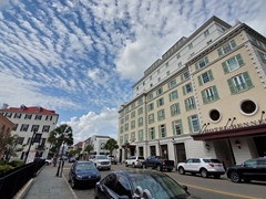Luxury hotel in downtown Charleston