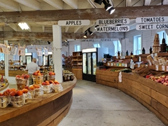 Delicious fresh fruit for sale at the round barn; Gettysburg
