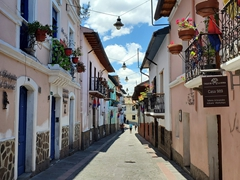 La Ronda, one of the oldest streets in Quito