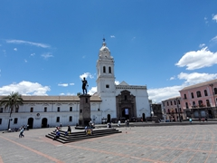 Santo Domingo Plaza; Quito