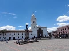 Santo Domingo Plaza; Quito