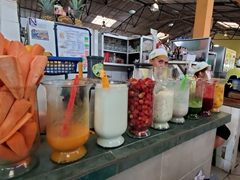Fruit juices blended right there on the spot; Banos market