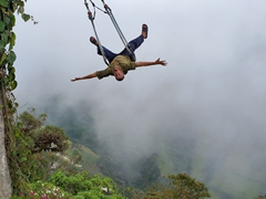 Robby's turn for an unforgettable swing ride; La Casa del Arbol