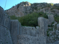 A look at the wall fortifications incorporating the natural surroundings of Kotor
