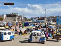 Market scene; Juliaca