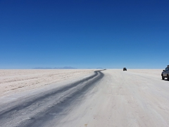Driving into Salar de Uyuni