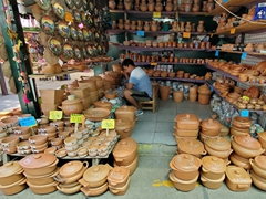 Clay pots for sale; Salta