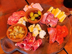 Meat and cheese platter; El Zorrito Cafe in Cafayate