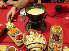 Fondue platters; La Marmite