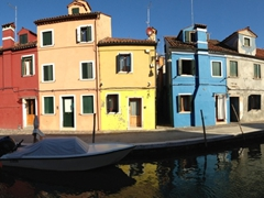 Why the colorful houses? Supposedly during winter time Burano has lots of foggy days and when the fishermen came back after fishing they could easily recognize their own home