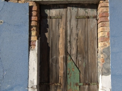A decaying window; Burano
