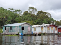 Floating village; Rio Negro