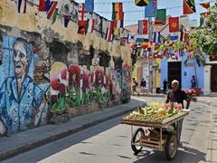 Fruit vendor on Calle de la Sierpe
