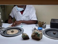 Polishing emeralds; Cartagena