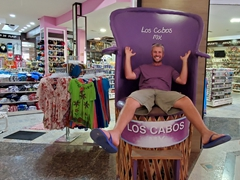 Robby found a throne to match his shirt!